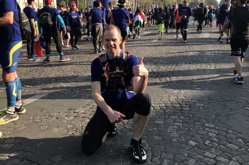 Paleos®URBAN suitable for anything, everywhere - Jörg at the Marathon in Paris!