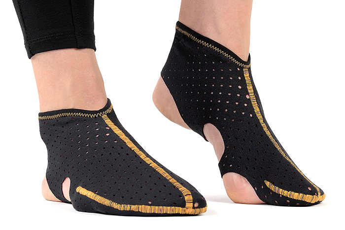 Saver Paleos®ULTRA (Neoprene perforated - covered toe design)