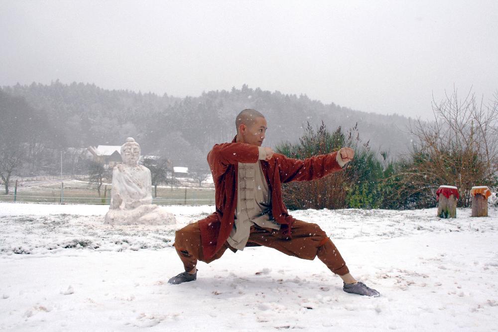 Auch die Mönche des größten Shaolin Klosters in Europa wissen das unmittelbare Feedback des Bodens zu schätzen!